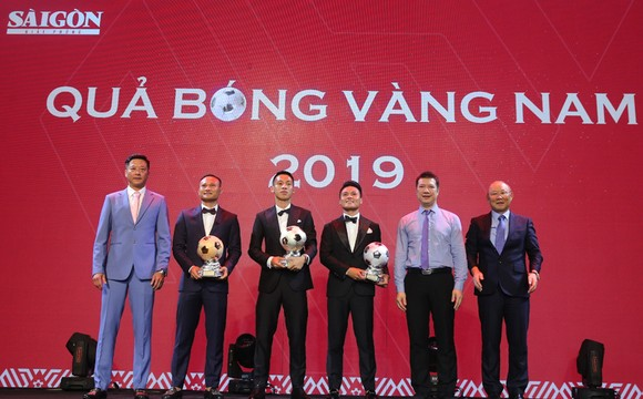 Đỗ Hùng Dũng, Huỳnh Như, Trần Văn Vũ đoạt Quả bóng Vàng Việt Nam 2019 ảnh 6