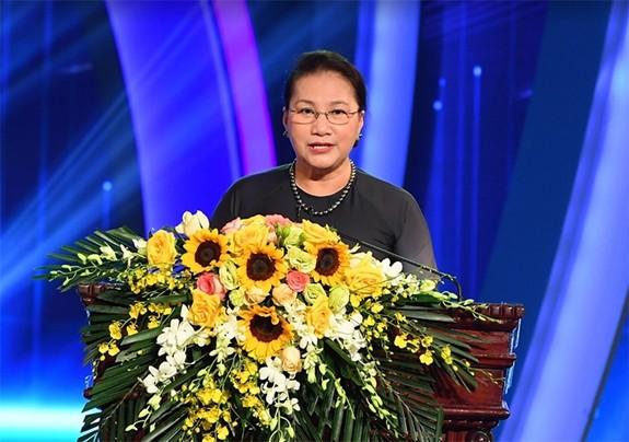 Chủ tịch Quốc hội Nguyễn Thị Kim Ngân phát biểu tại buổi lễ. Ảnh: QĐND