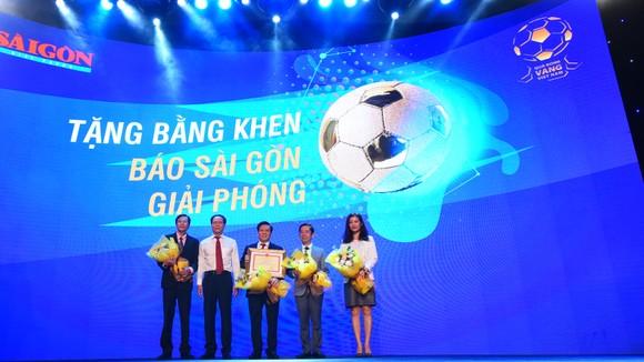 Văn Quyết, Huỳnh Như và Minh Trí đoạt Quả bóng Vàng Việt Nam 2020 ảnh 16