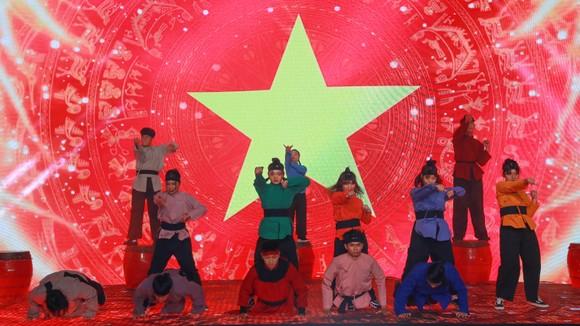 Văn Quyết, Huỳnh Như và Minh Trí đoạt Quả bóng Vàng Việt Nam 2020 ảnh 18