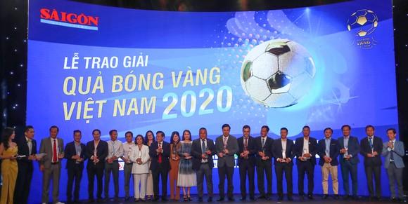 Văn Quyết, Huỳnh Như và Minh Trí đoạt Quả bóng Vàng Việt Nam 2020 ảnh 15