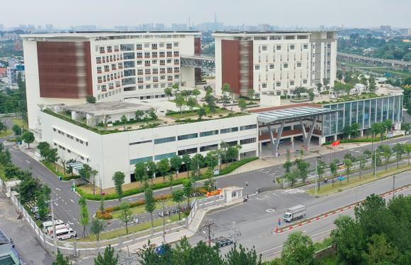 Bệnh viện Ung bướu TPHCM (cơ sở 2) được xây dựng khang trang hiện đại. Ảnh: HOÀNG HÙNG