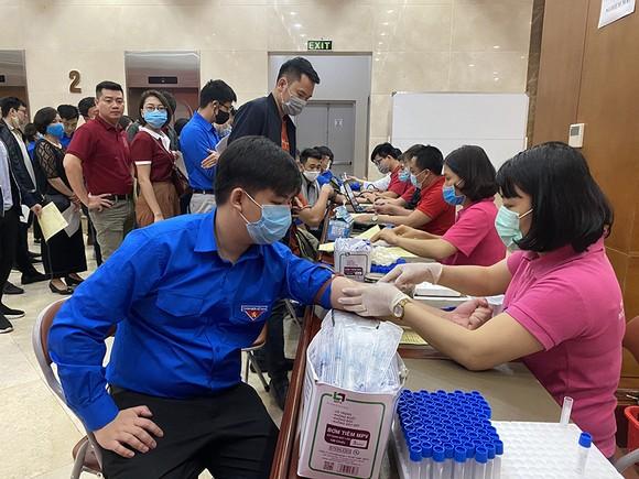 Đoàn thanh niên Agribank tổ chức chương trình hiến máu tình nguyện ảnh 2