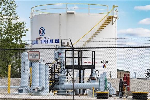 Các bể chứa nhiên liệu của Công ty Colonial Pipeline ở Baltimore, bang Maryland, Mỹ ngày 10-5-2021. Ảnh: AFP/TTXVN