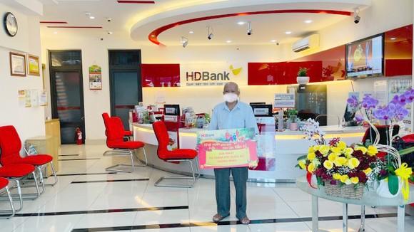Khách hàng trúng hơn 11 tỷ đồng từ HDBank ảnh 2