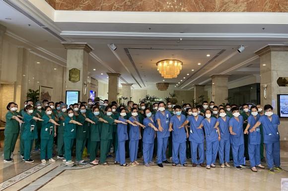 Saigontourist Group hỗ trợ phục vụ ăn ở cho hàng vạn y, bác sĩ tiếp ứng TPHCM chống dịch ảnh 1