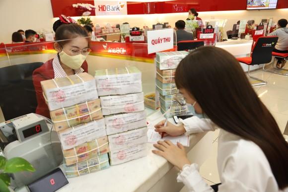 Thu nhập dịch vụ tăng mạnh, HDBank hoàn thành 58% kế hoạch năm ảnh 2