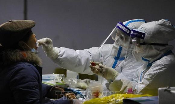Trung Quốc xét nghiệm quy mô lớn do số ca mắc Covid-19 tăng
