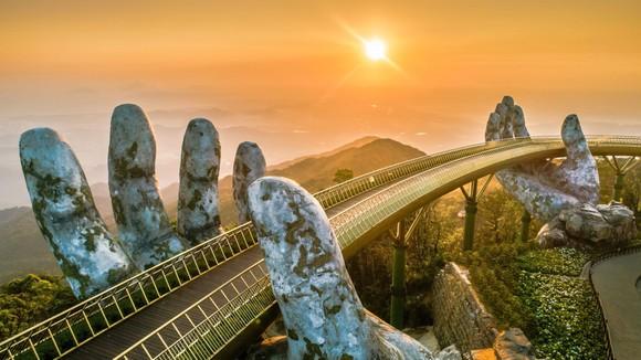 Chuyện chưa kể về những người kiến tạo biểu tượng du lịch tại Việt Nam ảnh 1