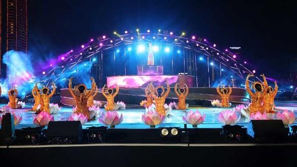Top 5 sự kiện Văn hóa tiêu biểu nhất năm 2018 xướng tên Lễ hội Pháo hoa quốc tế Đà Nẵng ảnh 3