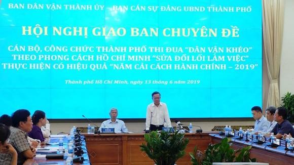 Trưởng Ban Dân vận Thành ủy Nguyễn Hữu Hiệp phát biểu tại hội nghị. Ảnh: Thanhuytphcm.vn