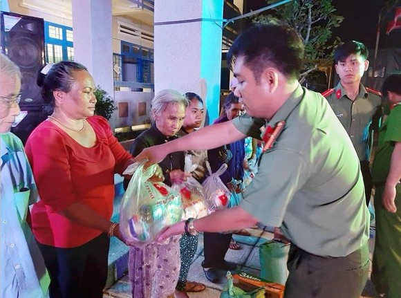Chiến dịch Tình nguyện Hành Quân Xanh tỉnh Bình Thuận ảnh 5