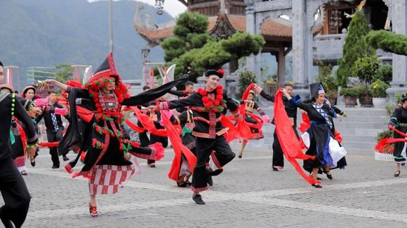 Sa Pa tự hào nhận cùng lúc 2 kỷ lục Việt Nam về du lịch ảnh 4