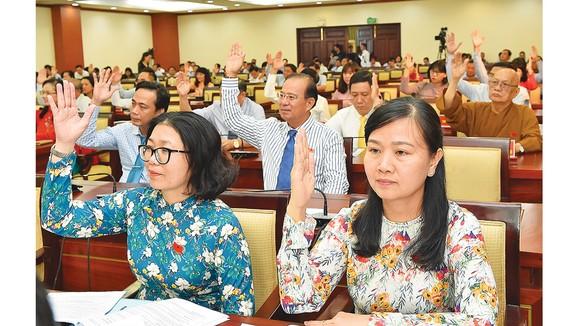 Bế mạc kỳ họp thứ 20 HĐND TPHCM khóa IX: Kỷ cương, trách nhiệm và sáng tạo để hoàn thành nhiệm vụ ảnh 2