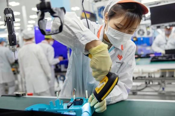 Hình ảnh máy thở của Vingroup trên AFP, Bloomberg, Reuters gây sốt ảnh 3