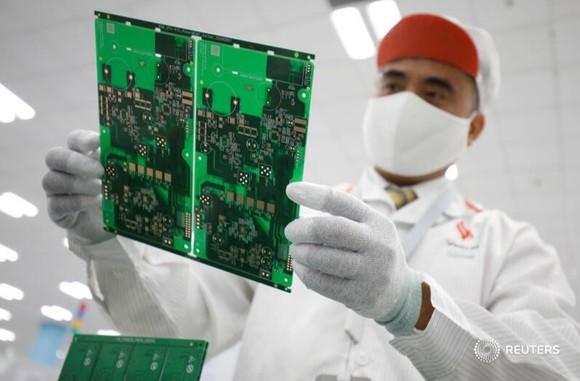 Hình ảnh máy thở của Vingroup trên AFP, Bloomberg, Reuters gây sốt ảnh 5