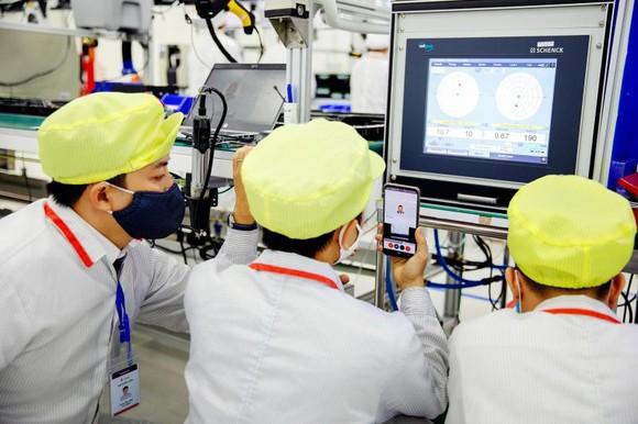 Hình ảnh máy thở của Vingroup trên AFP, Bloomberg, Reuters gây sốt ảnh 6