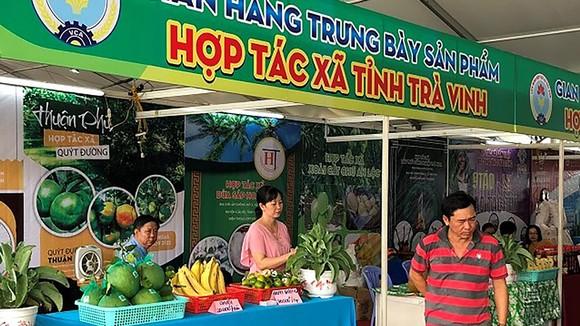 Kết nối hàng hóa các HTX tại Hội chợ xúc tiến thương mại do Liên minh HTX Việt Nam tổ chức