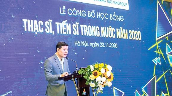 GS. Vũ Hà Văn(Giám đốc Khoa học Quỹ Đổi mới sáng tạo Vingroup) khẳng định:VinIF luôn nỗ lực hết sức để đồng hành cùng đội ngũ các nhà nghiên cứu trẻ, các cán bộ nghiên cứu khoa học