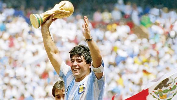 Diego Maradona (1960 - 2020)