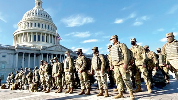 Vệ binh quốc gia tăng cường bảo vệ trụ sở Quốc hội Mỹ