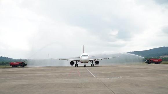 Vietjet khai thác loạt đường bay mới đến Đảo Ngọc xinh đẹp đón mùa hè sôi động ảnh 2