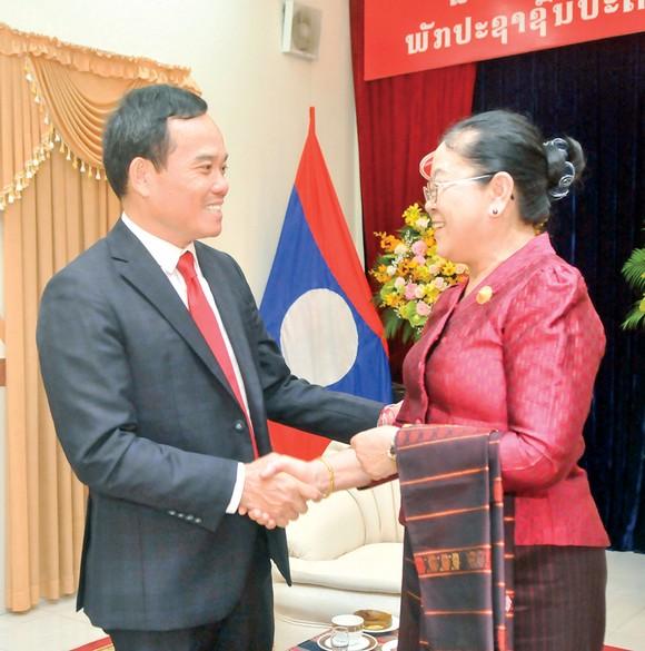 Lãnh đạo TPHCM chúc Tết cổ truyền Lào ảnh 1