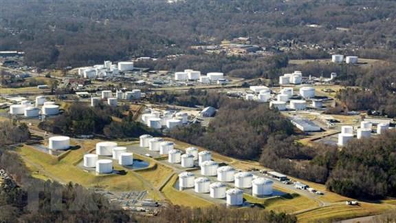 Các bể chứa nhiên liệu của Công ty Colonial Pipeline ở Charlotte, bang North Carolina, Mỹ ngày 10-5-2021. Ảnh: TTXVN