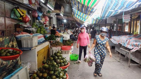 Chợ Bà Chiểu còn hoạt động, tuy nhiên chỉ phục vụ người dân trên địa bàn Bình Thạnh. Ảnh: MINH NGHĨA