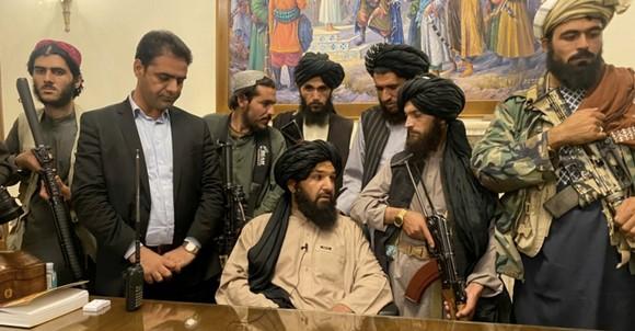 Lực lượng Taliban có mặt tại dinh thự Tổng thống Afghanistan ở Kabul