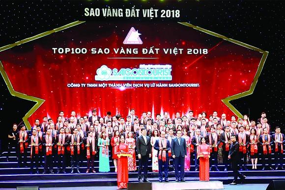 Lữ hành Saigontourist tự hào tiếp tục được trao tặng Thương hiệu Quốc gia và Giải thưởng Sao Vàng Đất Việt 2018 ảnh 1