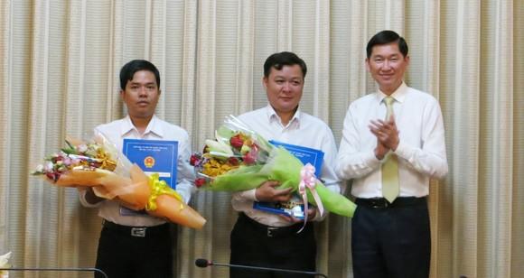 TPHCM trao đồng loạt quyết định nhân sự 4 Ban quản lý mới ảnh 1