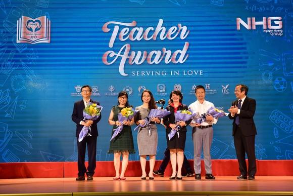 NHG tôn vinh những người thầy 'phục vụ trong yêu thương' ảnh 2