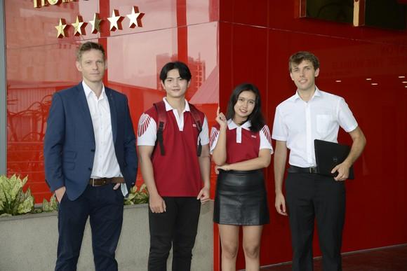 Đại học Quốc tế Hồng Bàng mừng sinh nhật tuổi 23  ảnh 1