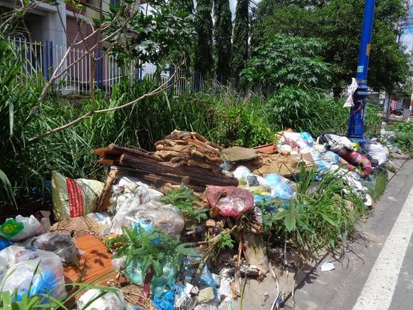Bãi rác tự phát gây ô nhiễm