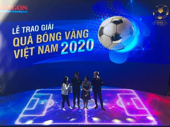Lễ trao giải Quả bóng vàng Việt Nam 2020 rộn ràng trước giờ G ảnh 1