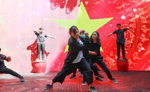 Lễ trao giải Quả bóng vàng Việt Nam 2020 rộn ràng trước giờ G ảnh 3