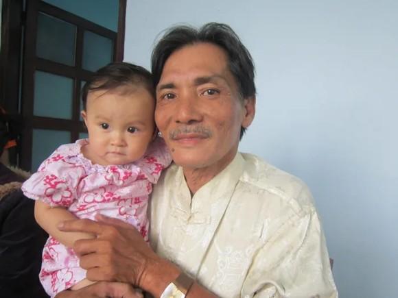 Tài tử 'Biệt động Sài Gòn' đột quỵ ở tuổi 65, từng thức trắng đêm lo không đủ tiền gửi vợ con ảnh 6