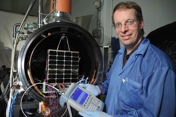 Hấp dẫn khai thác năng lượng mặt trời không gian ảnh 1
