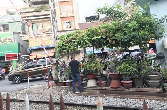Xâm phạm hành lang an toàn đường sắt ngày càng tăng ảnh 1