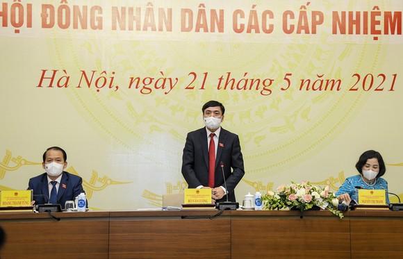 Tổng Thư ký Quốc hội Bùi Văn Cường, Chánh Văn phòng Hội đồng Bầu cử quốc gia phát biểu tại buổi họp báo. Ảnh: QUOCHOI.VN