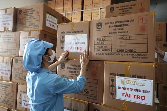 T&T Group tài trợ toàn bộ bơm kim tiêm cho chiến dịch tiêm 150 triệu liều vaccine phòng Covid-19 ảnh 1