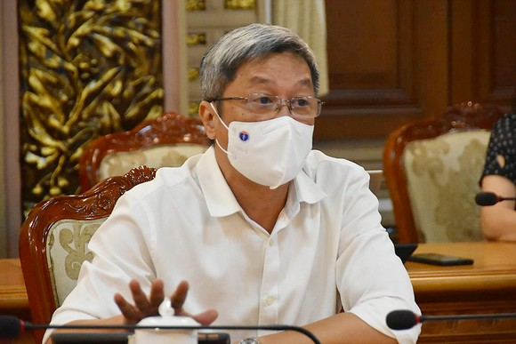 Thứ trưởng Bộ Y tế Nguyễn Trường Sơn: Công tác phòng chống dịch ở TPHCM đang đi đúng hướng  ảnh 1