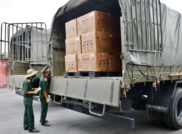T&T Group bàn giao 8,5 triệu bộ bơm kim tiêm phục vụ chiến dịch tiêm chủng quốc gia phòng Covid-19 ảnh 3