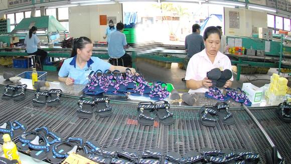 Sản xuất giày tại Công ty Biti's, TPHCM Ảnh: Cao Thăng