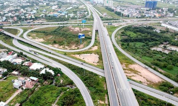Hệ thống giao thông liên hoàn kết nối  cao tốc TPHCM - Long Thành - Dầu Giây vào đường Vành đai 2 - Mai Chí Thọ Ảnh: CAO THĂNG