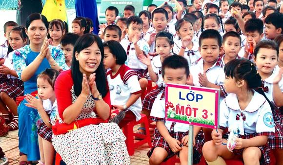 Học sinh Trường Tiểu học Huỳnh Văn Bánh (huyện Bình Chánh) trong lễ khai giảng năm học 2020-2021