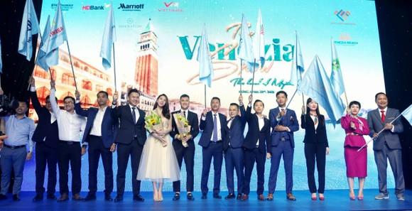 Hưng Vượng Developer đã ký kết với 2 đối tác lớn quản lý vận hành dự án Venezia Beach – Luxury Residences & Resort.
