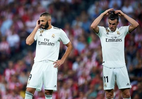 Khủng hoảng ở Real: Benzema và Gareth Bale bị thay ra vì chấn thương!