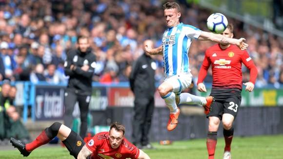 TRỰC TIẾP Huddersfield - Man United: Đêm diễn của Pogba ảnh 5